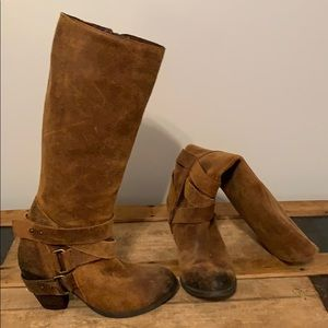 Super cute distressed tall boots!